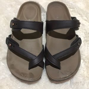 Madden Girl Brown Flats Size 6.5